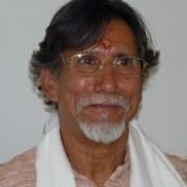 """Retiro de Yoga con Shashi Dhar Dimri  """"Enseñanzas para la vida""""  2, 3 y 4 de diciembre 2011"""